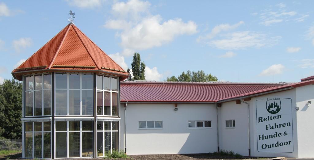 Pferdesportler und Hundefans rund um Wien können es kaum erwarten: Endlich, am 11. September 2014, eröffnet das neue Pferdesporthaus Loesdau in Traiskirchen.