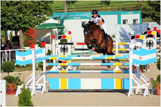 Sören ist durchweg mit der Leistung seiner Pferde auf dem Sommerturnier in Waldachtal-Heiligenbronn zufrieden.
