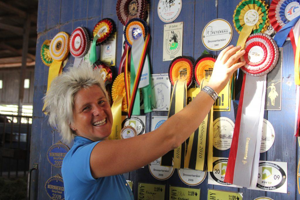 Uta Gräf und ihre Pferde hatten schon viele Turniererfolge. Doch unter Druck setzen lässt sie weder sich noch ihre Vierbeiner.
