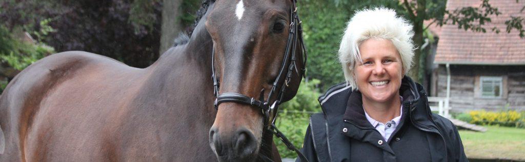uta-graef-mit-pferd