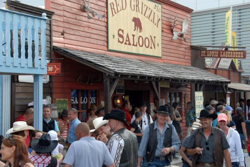 Red Grizzly Saloon auf der AMERICANA