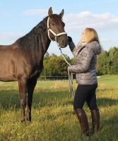 Constanze in Cheval de Luxe Reitjacke Diana und Reithose Coline Grip